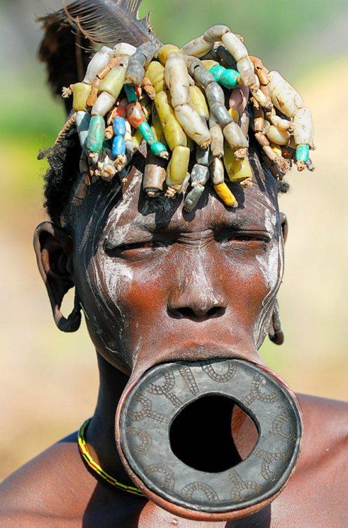 ... laut. Keseluruhan negara Lesotho terletak di pedalaman Afrika Selatan