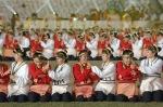 Sekelompok penari membawakan tarian Papua  pada upacara peringatan 100 Tahun Kebangkitan Nasional, di Stadion Gelora Bung Karno, Jakarta, Selasa (20/5) . Acara kolosal ini dipertunjukkan oleh 30 ribu peserta  yang terdiri dari pertunjukan marching band, a